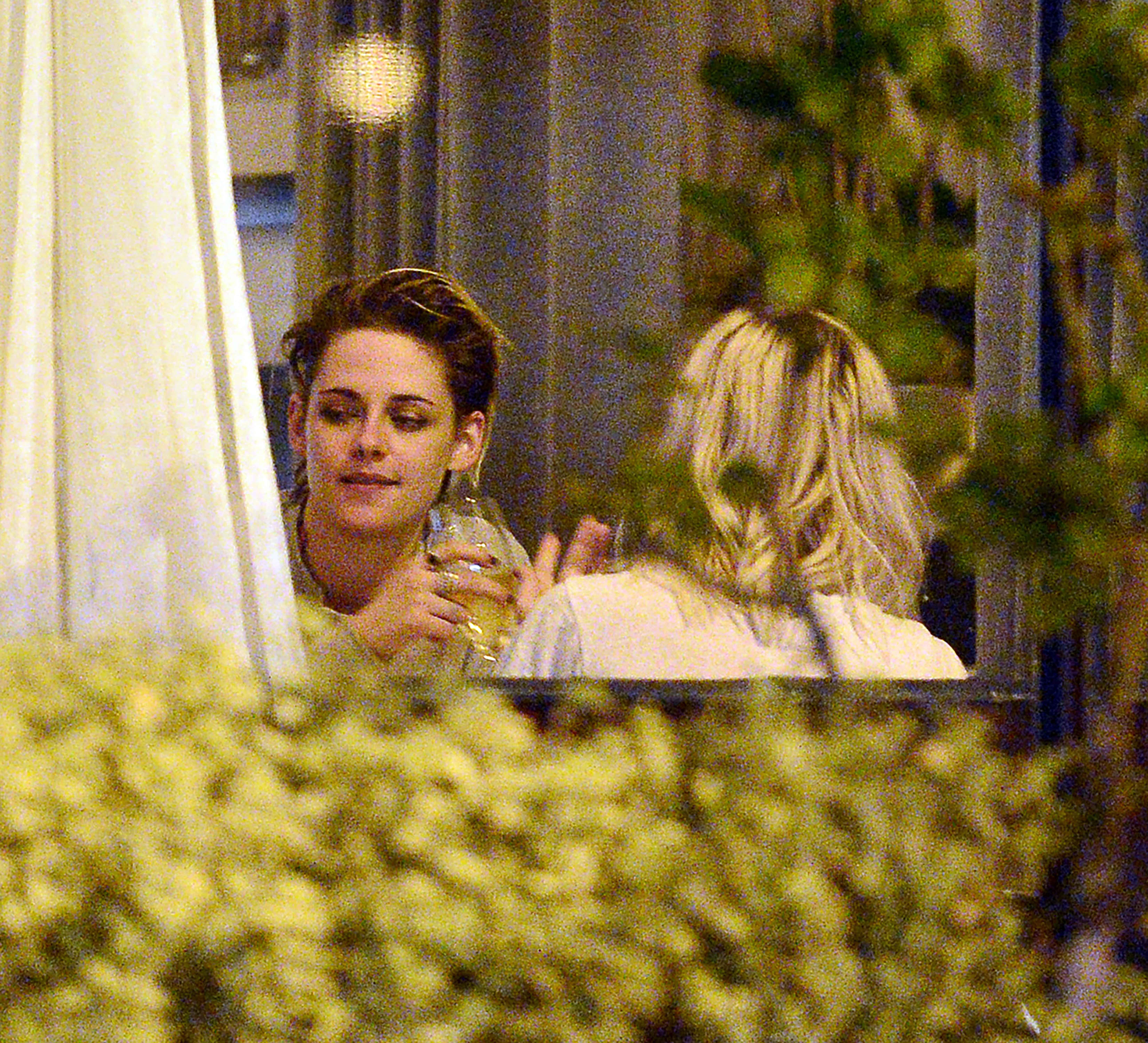 Kristen Stewart novia Dylan Meyer