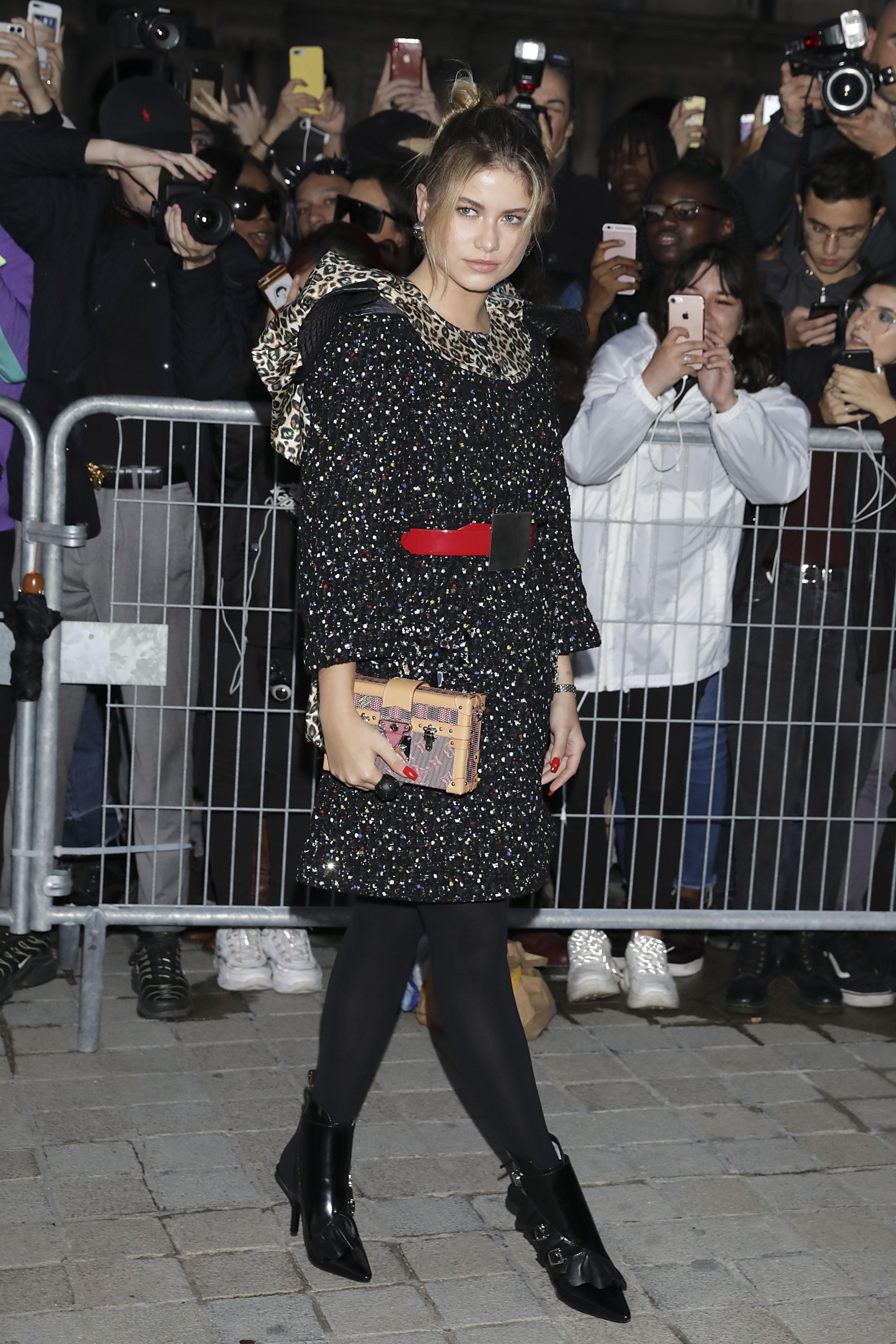 Sofia Reyes, looks, paris, semana de la moda, louis vuitton