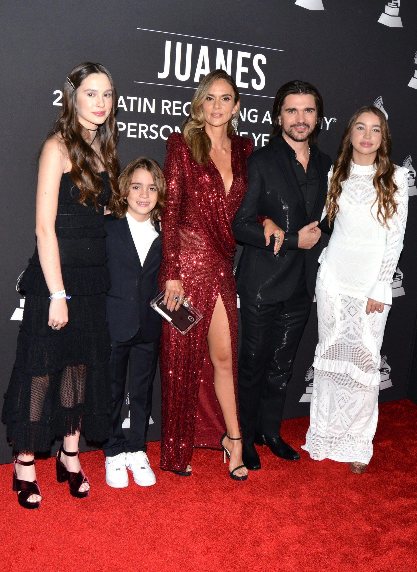 Juanes, Karina Martínez, Paloma, Dante, Luna