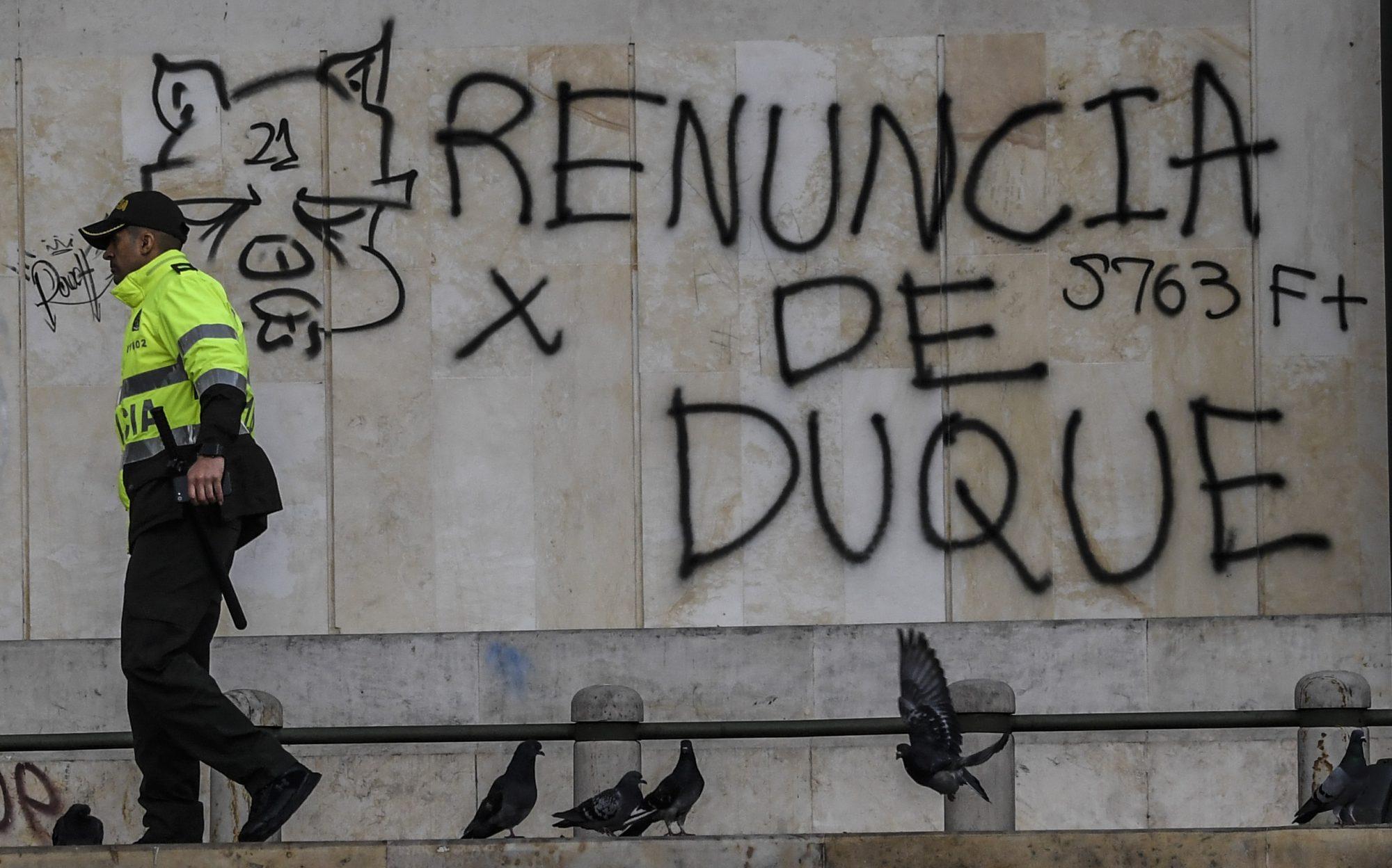 COLOMBIA-CRISIS-GRAFFITI