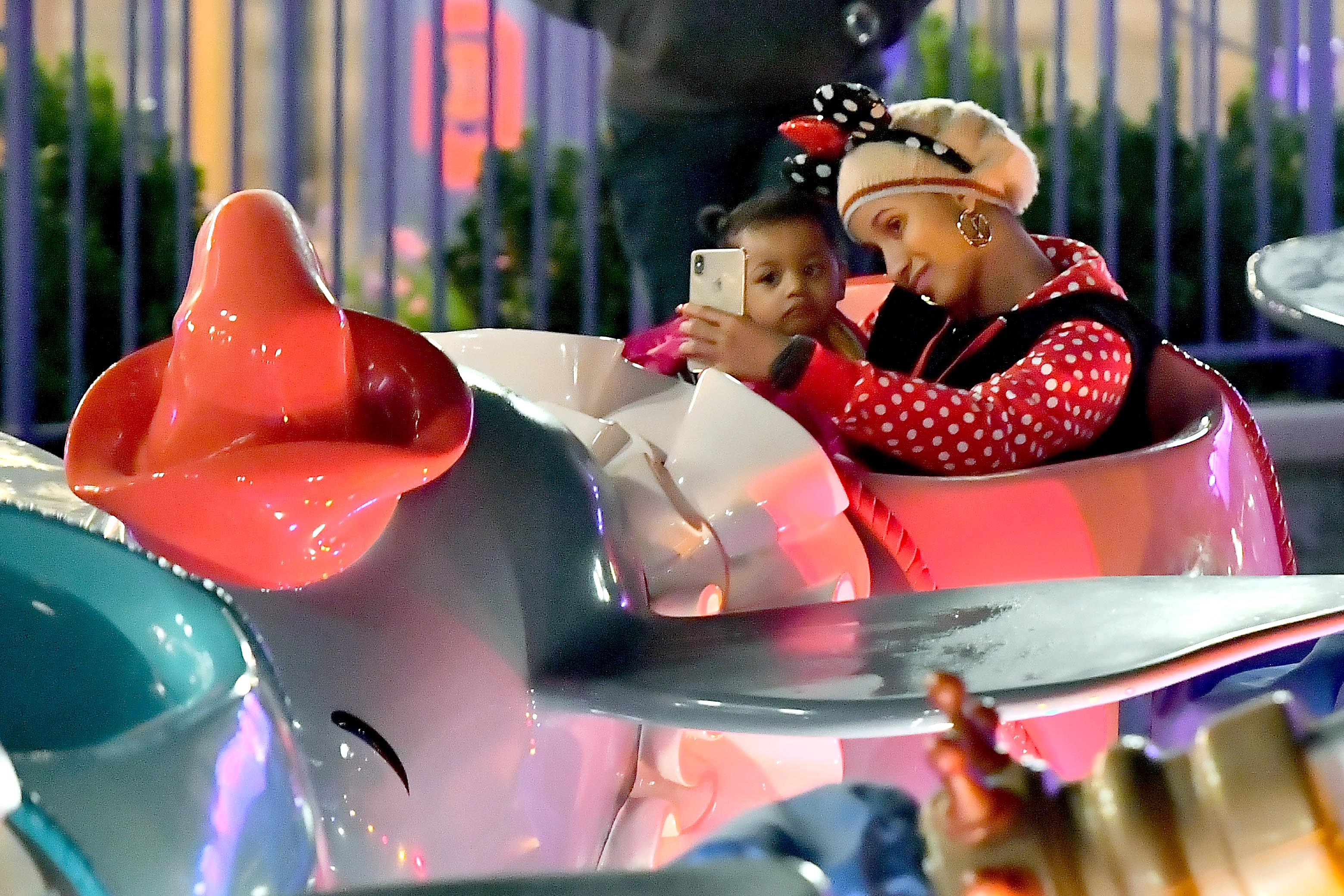 Cardi B hija Kulture en Disneyland