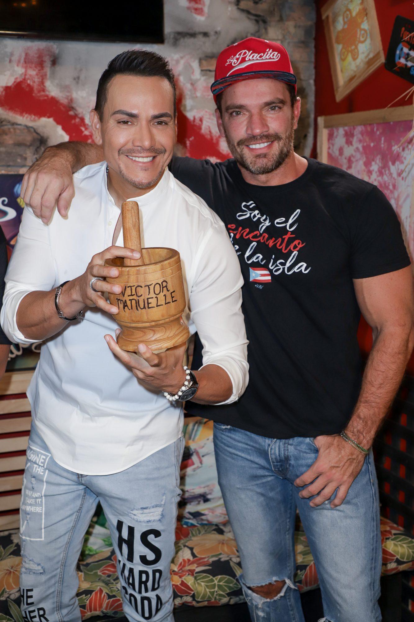 Victor Manuel y Julian Gil album Memorias de Navidad