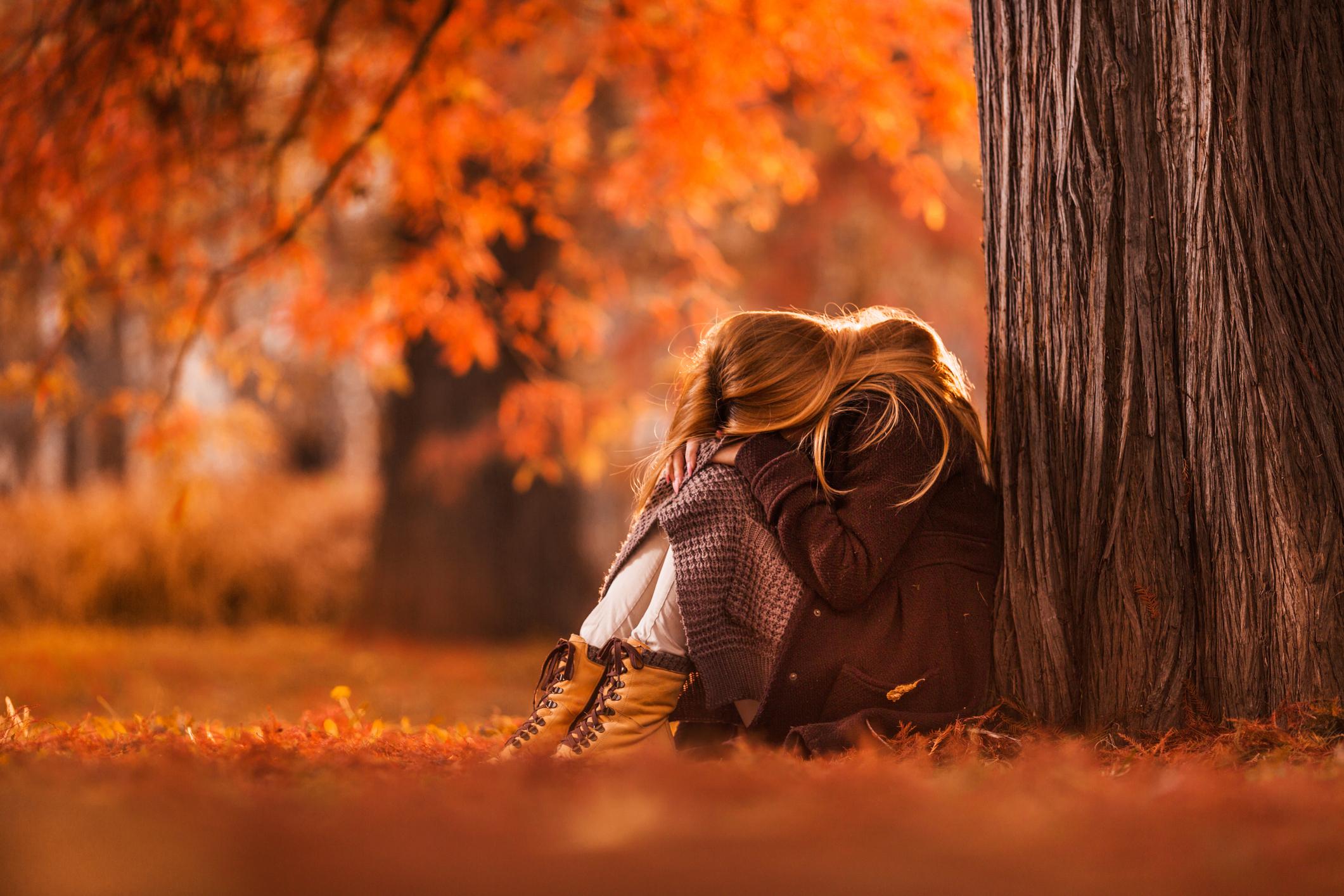 Mujer deprimidia triste