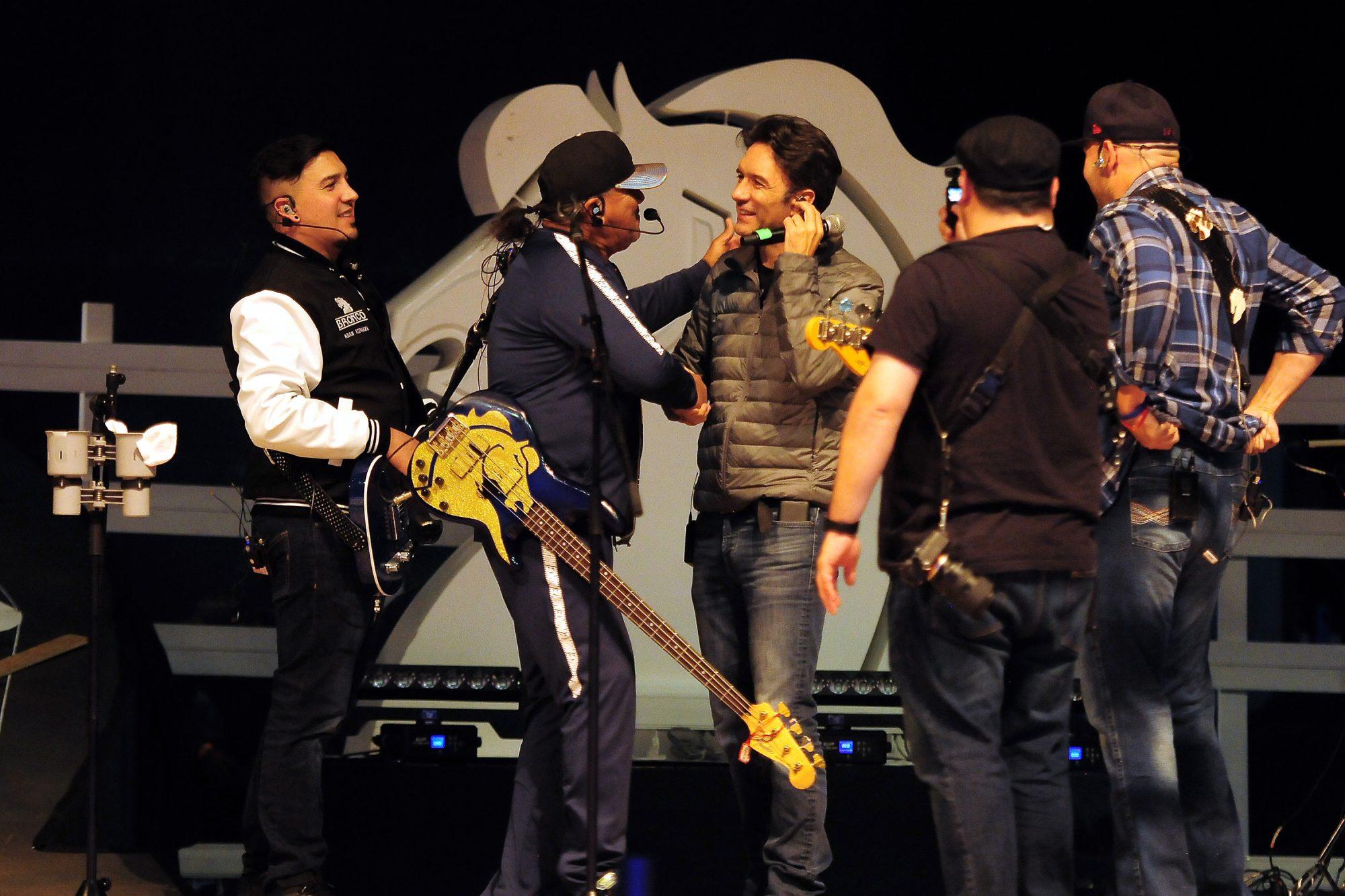 Bronco ofrece un concierto en el Auditorio Nacional