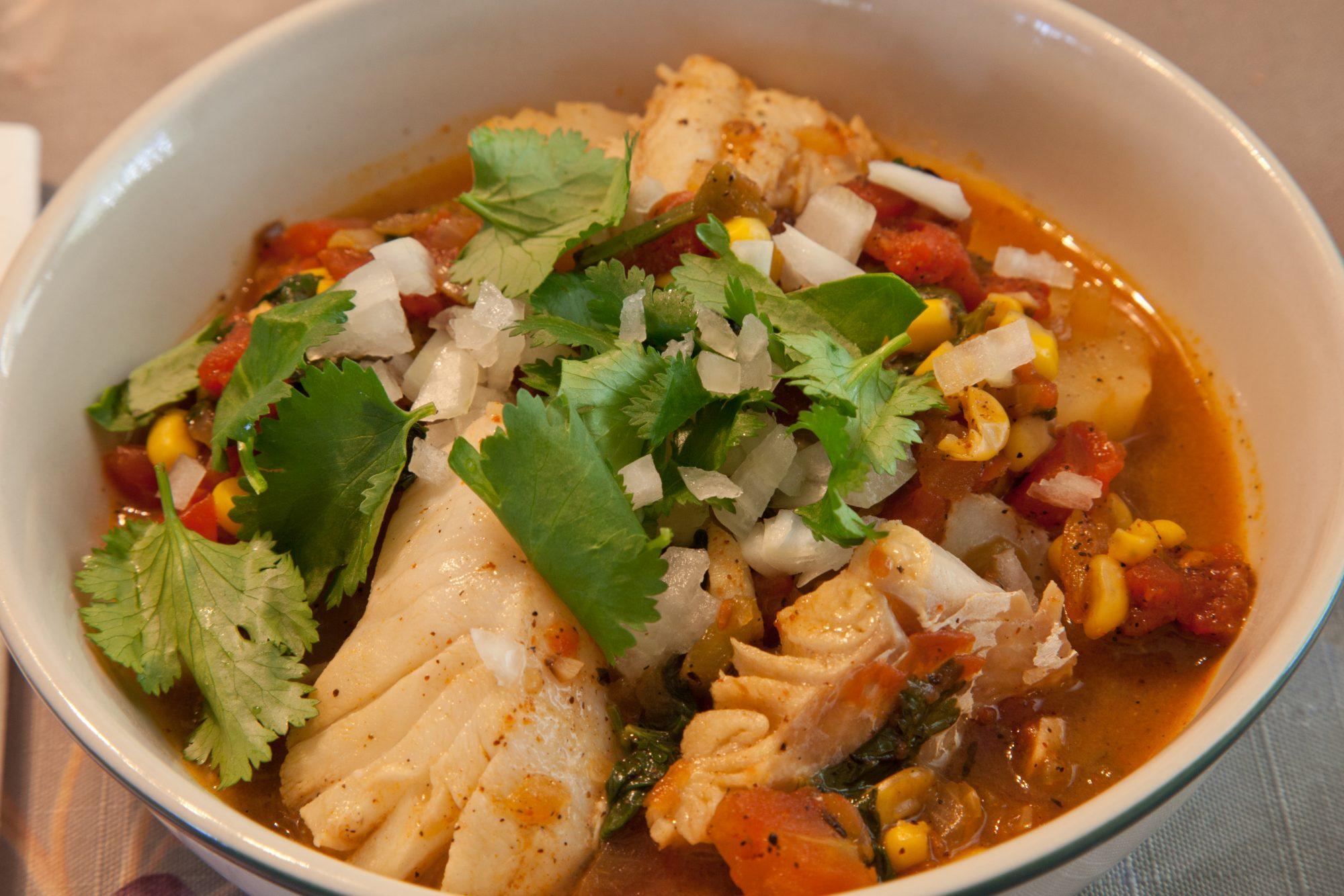 Caldo de pescado a la mexicana