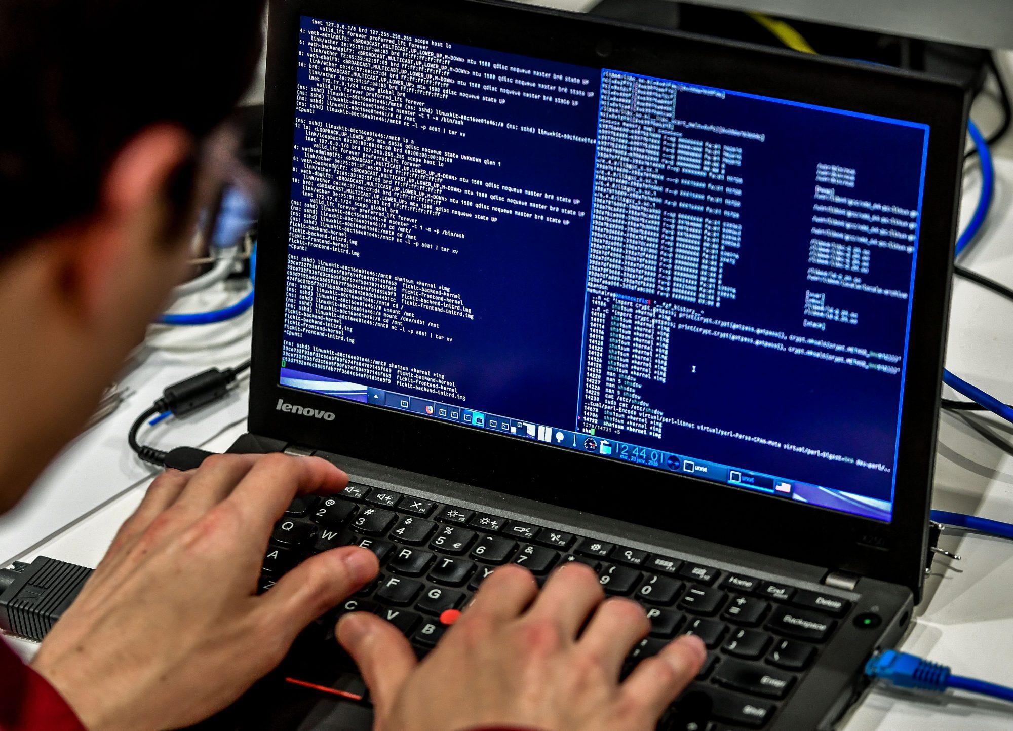 Computadoras, ataque cibernético