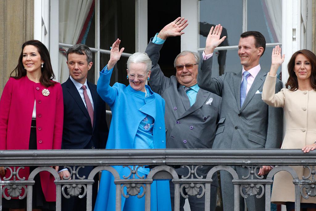 familia real Dinamarca reina Margarita balcón