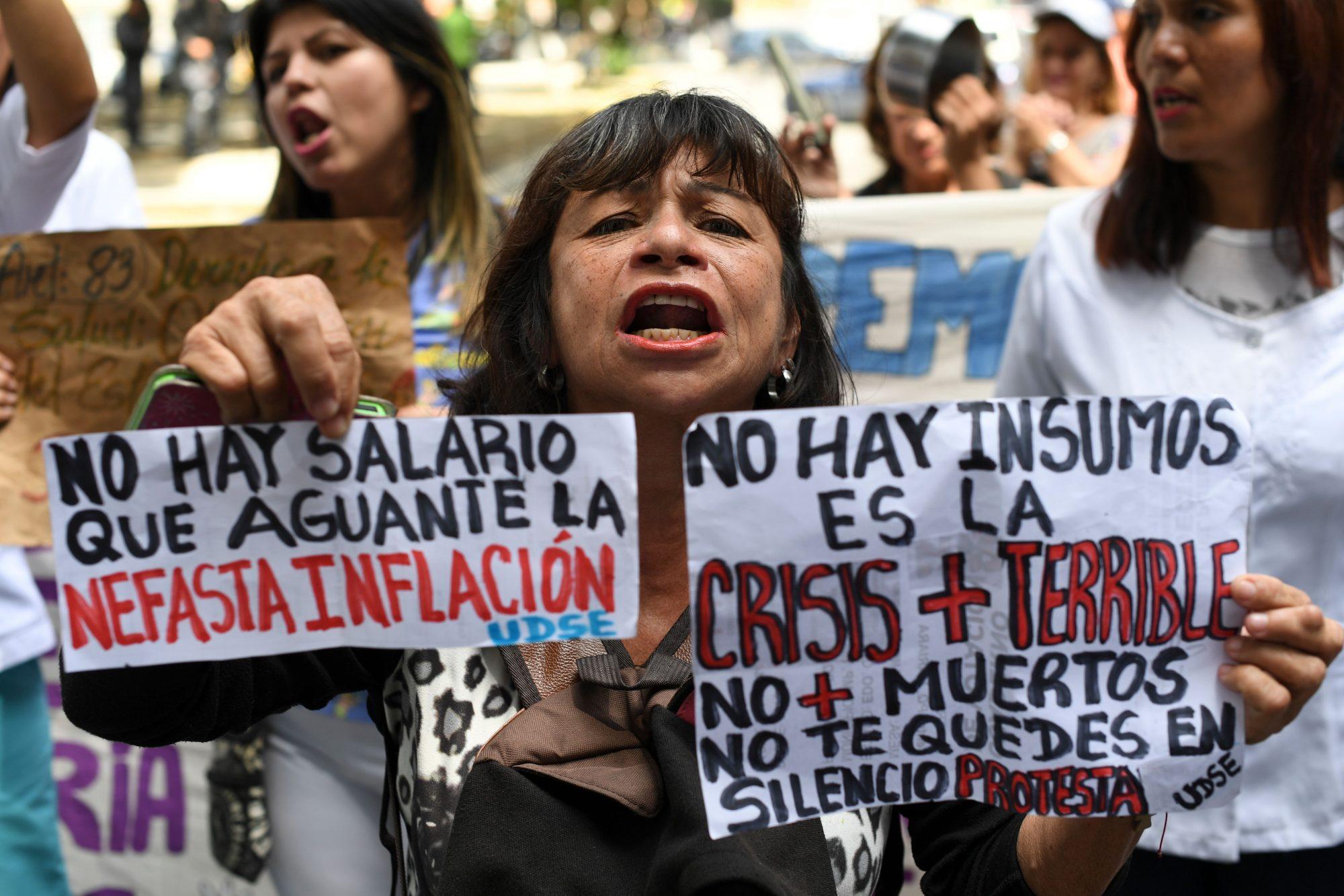 VENEZUELA-OPPOSITION-CRISIS-NURSES-PROTEST
