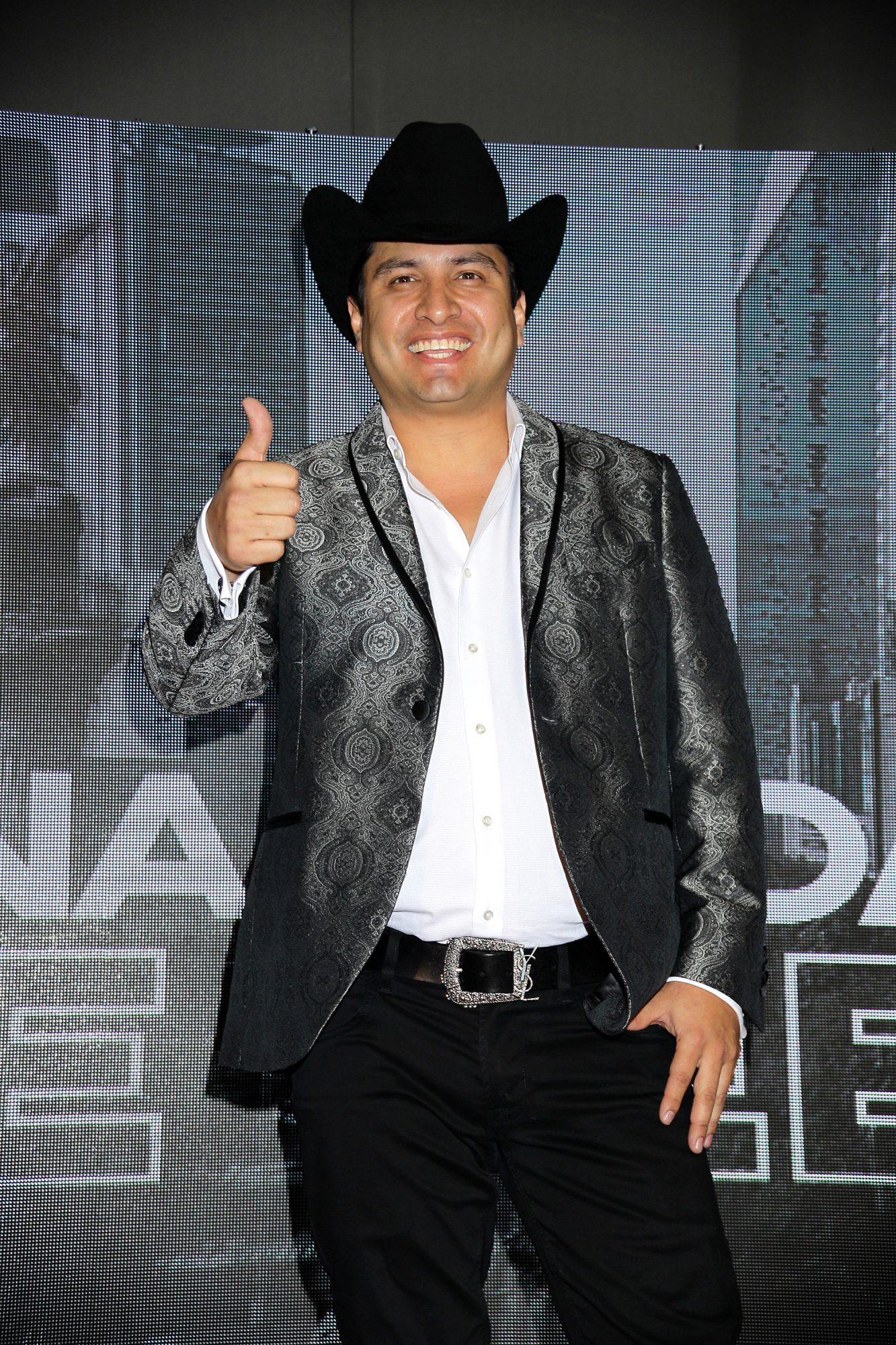 """Julión Álvarez anuncia su nueva gira """"13-20/20"""""""