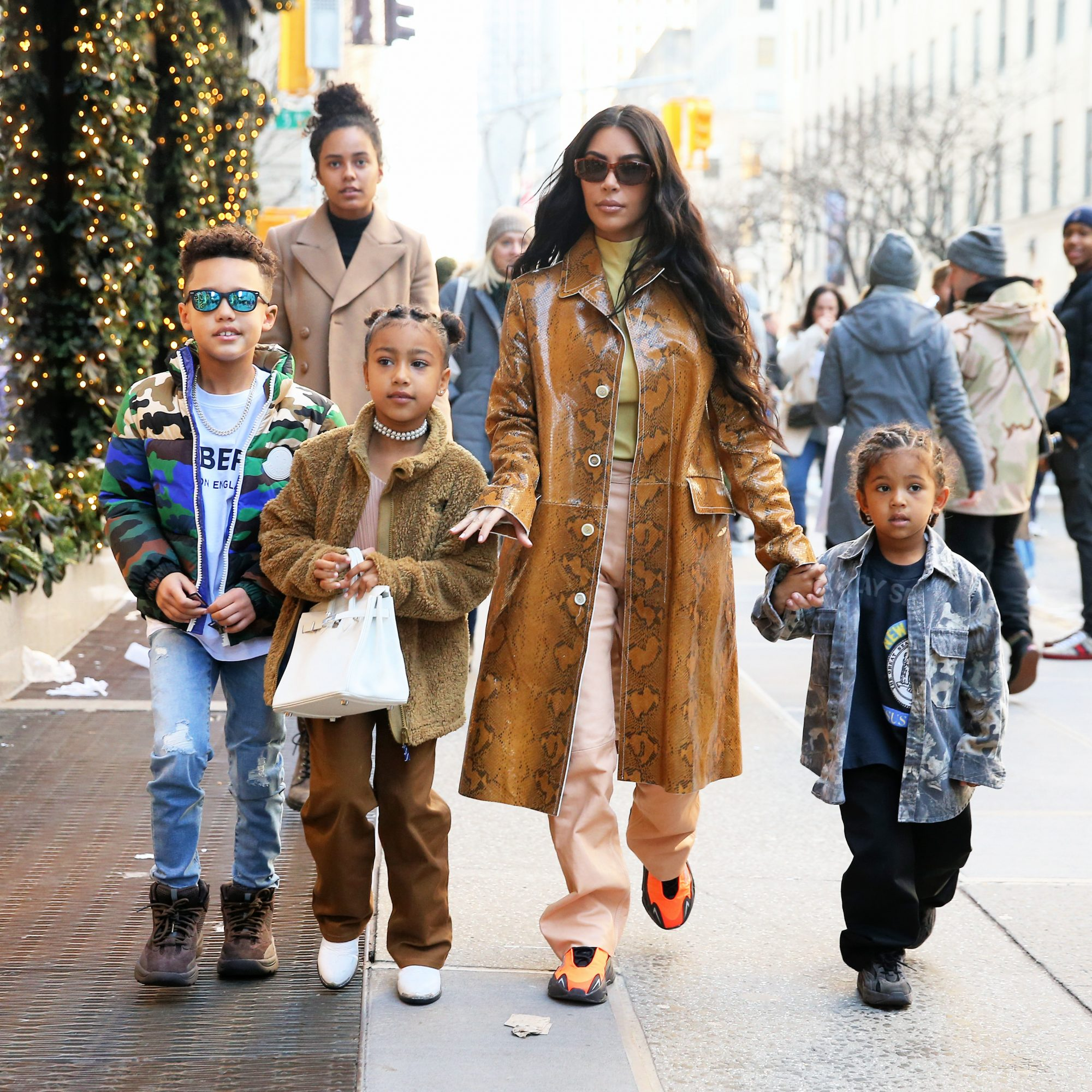 Kim Kardashian con hijos en Nueva York