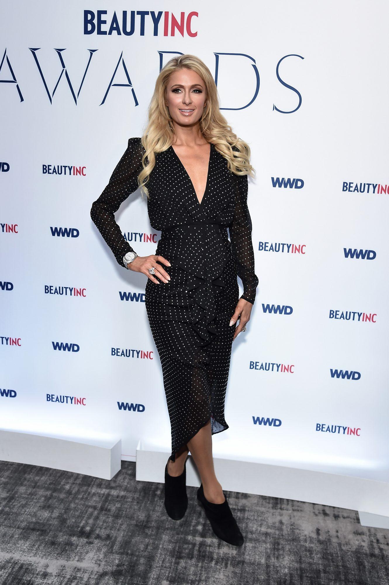 Paris Hilton, looks