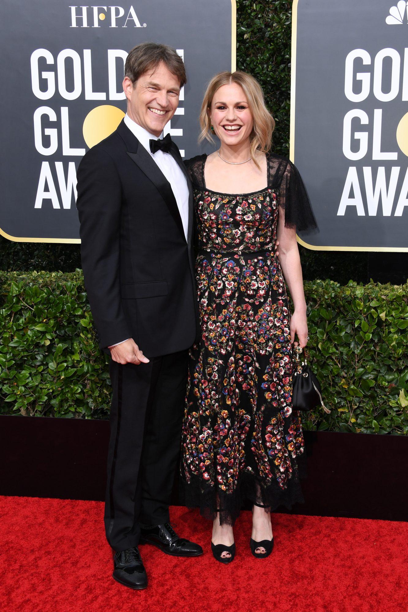 Stephen Moyer y Anna Paquin Alfombra Roja Golden Globes 2020