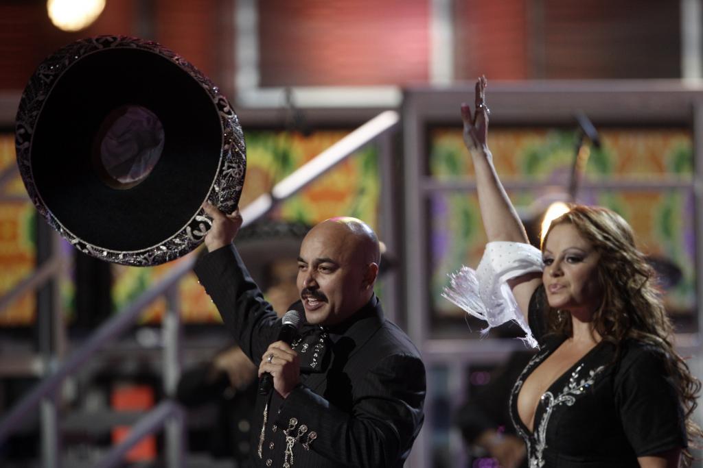 Jenni Rivera, Lupillo Rivera