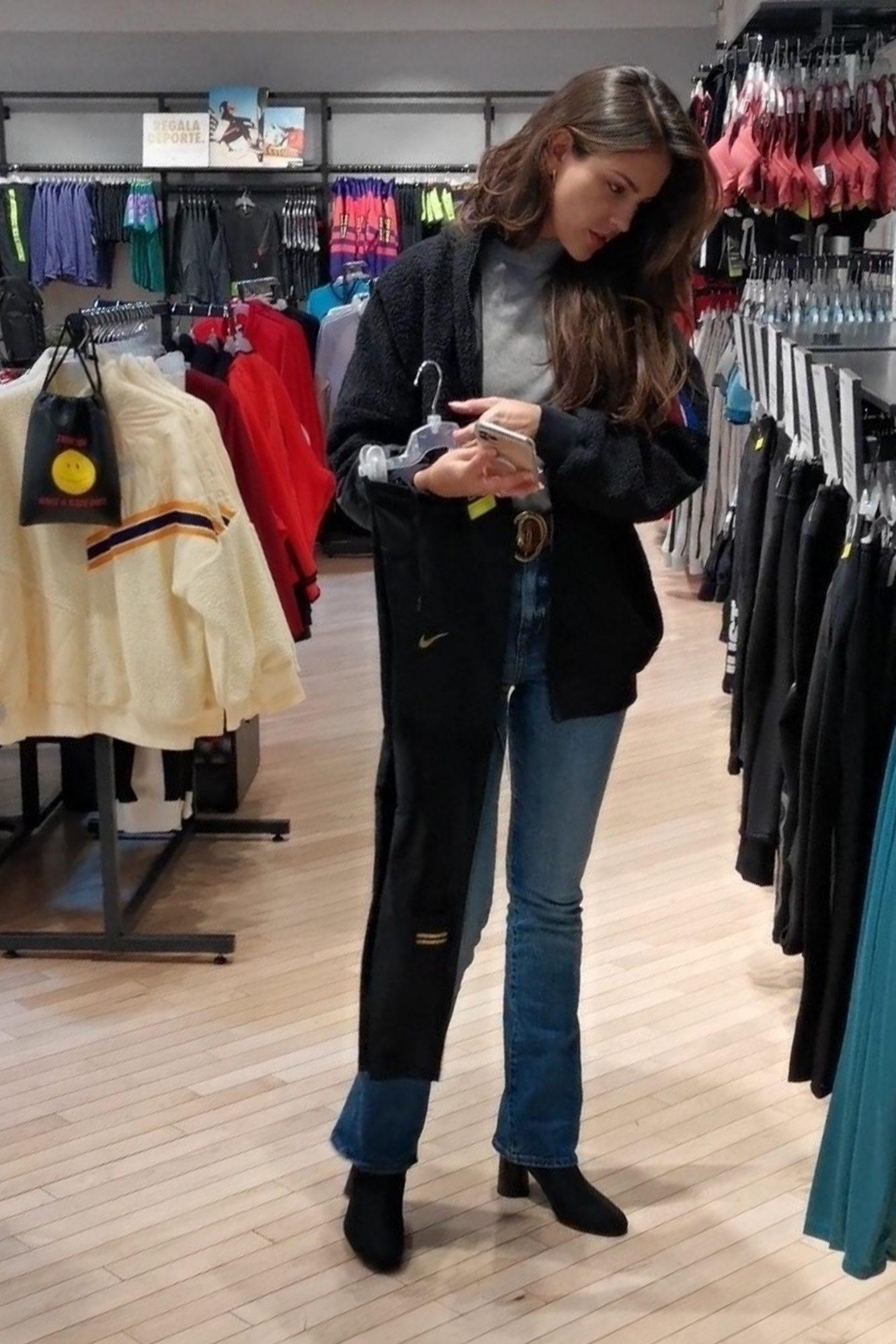 Eiza Gonzalez de compras en Mexicó