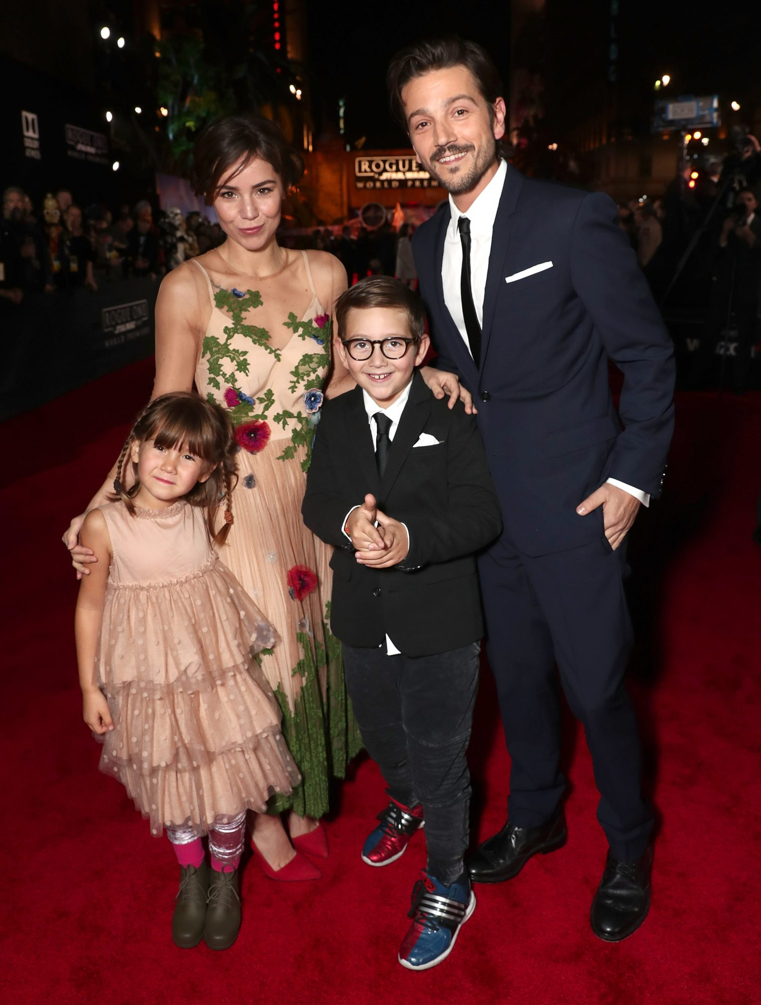 """Premiere Of Walt Disney Pictures And Lucasfilm's """"Rogue One: A Star Wars Story"""" - Red Carpet"""