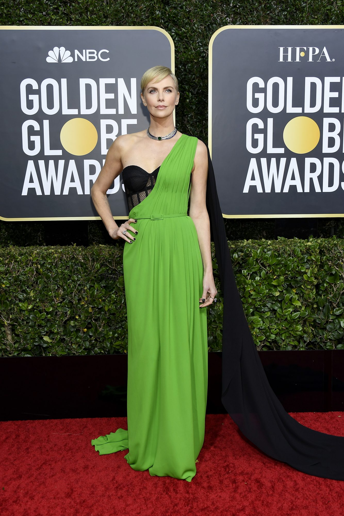 Charlize Theron, look, vestido, golden globes