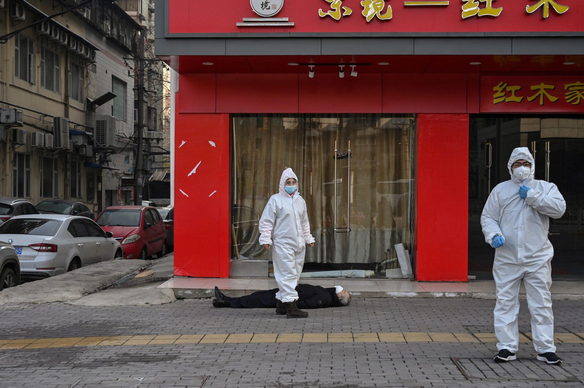 Corona Virus man dead on floor