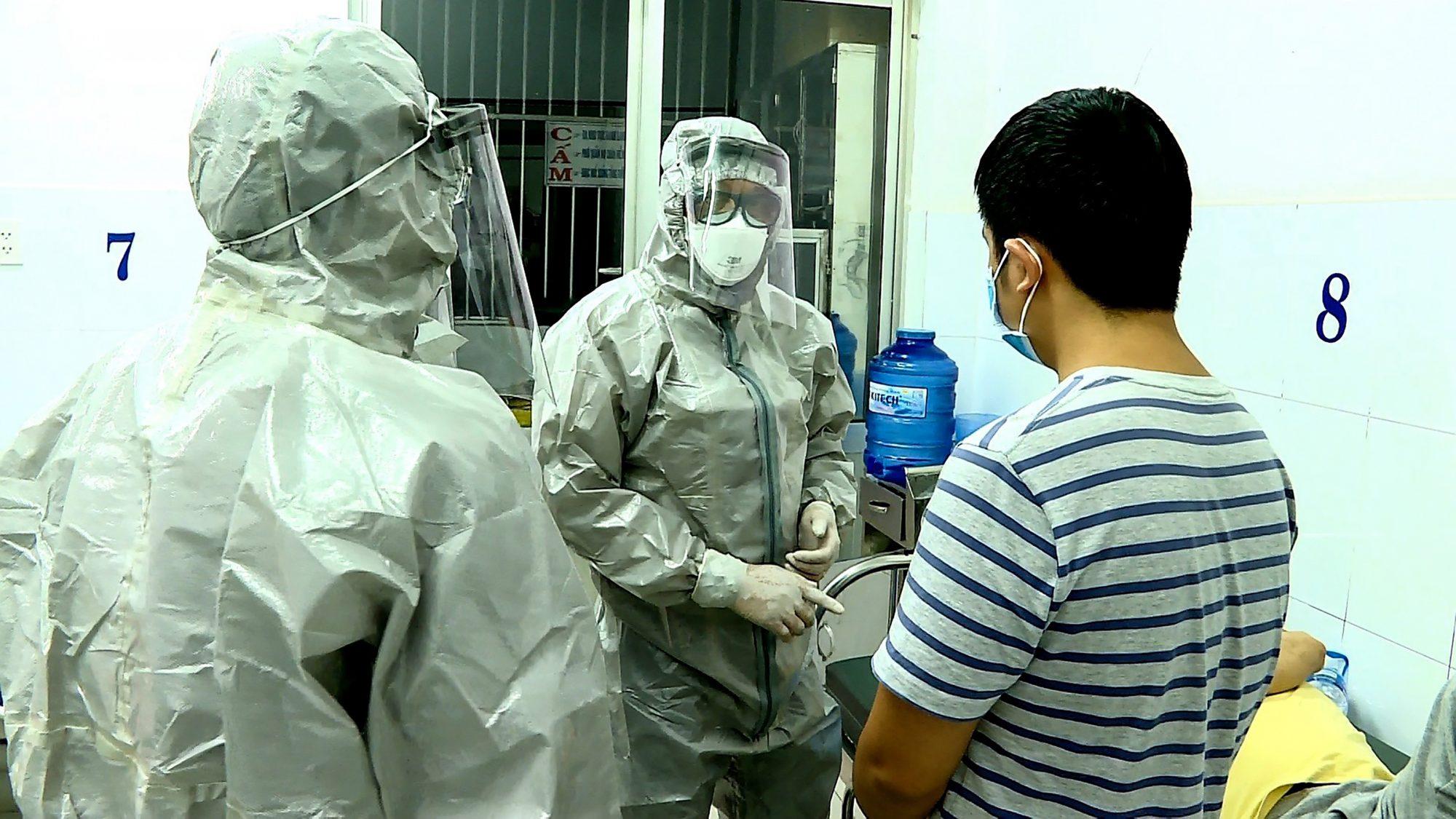 TOPSHOT-VIETNAM-HEALTH-VIRUS