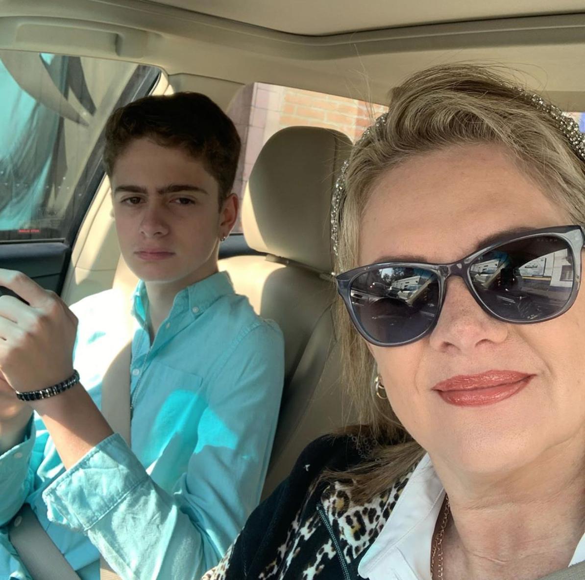 Erika Buenfil con su hijo Nicolás