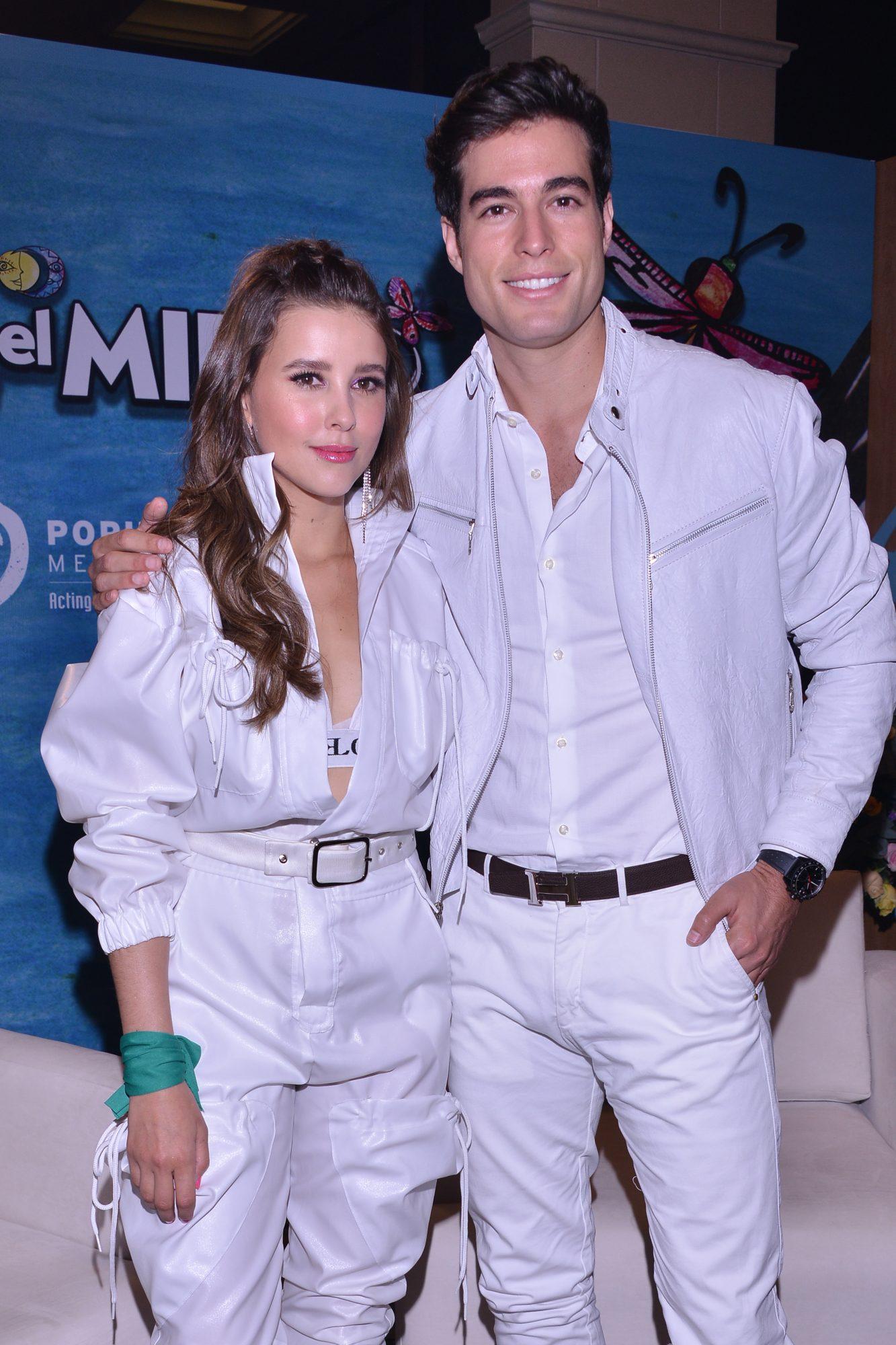 Paulina Goto y Danilo Carrera en estreno