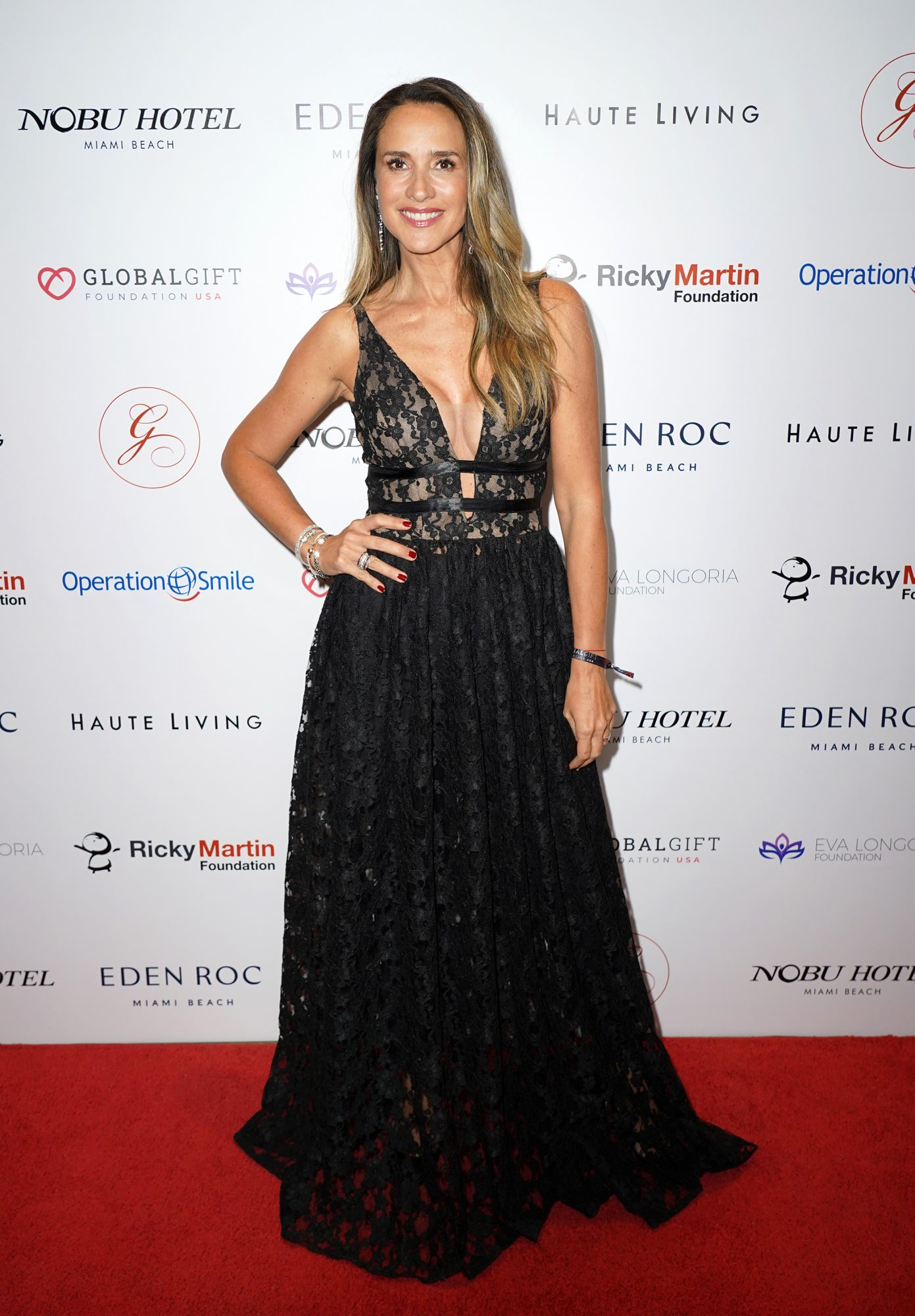 Angélica Castro asiste a la Global Gift Gala en Miami
