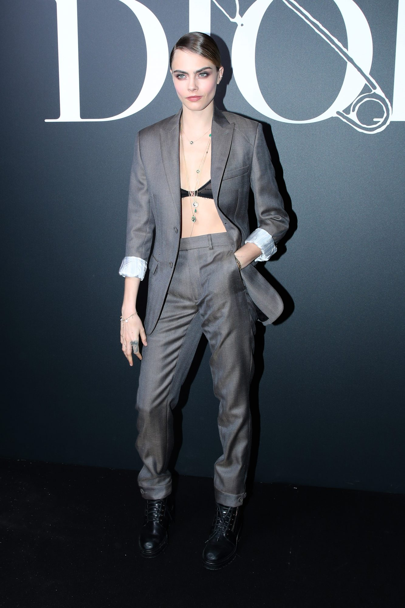 Dior Homme : Front Row - Paris Fashion Week - Menswear F/W 2020-2021