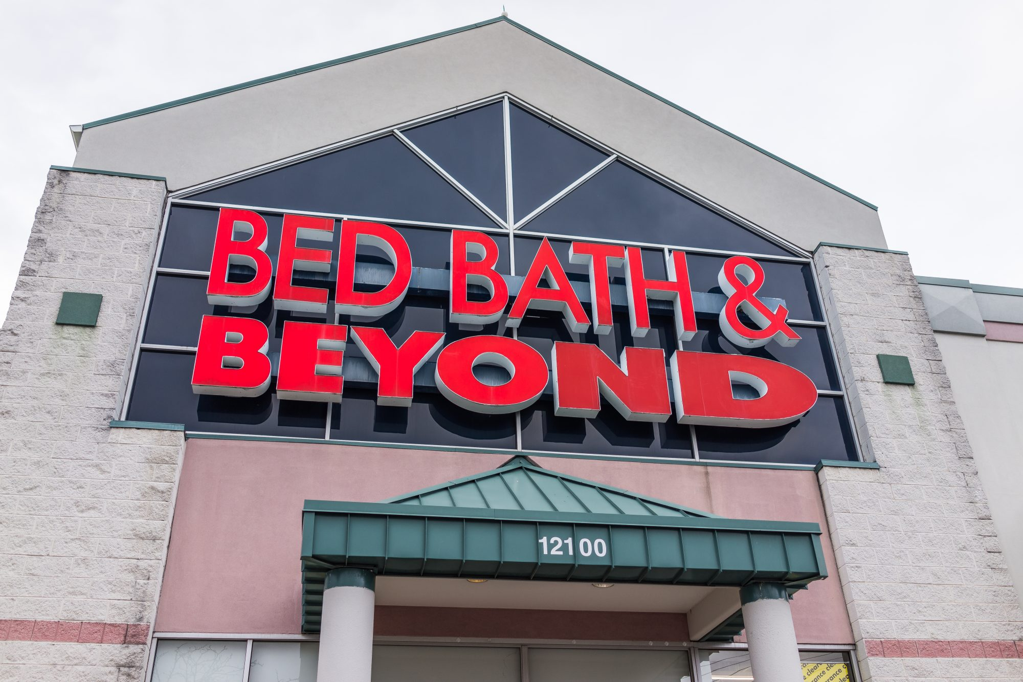 Bed Bath and Beyond store facade in red