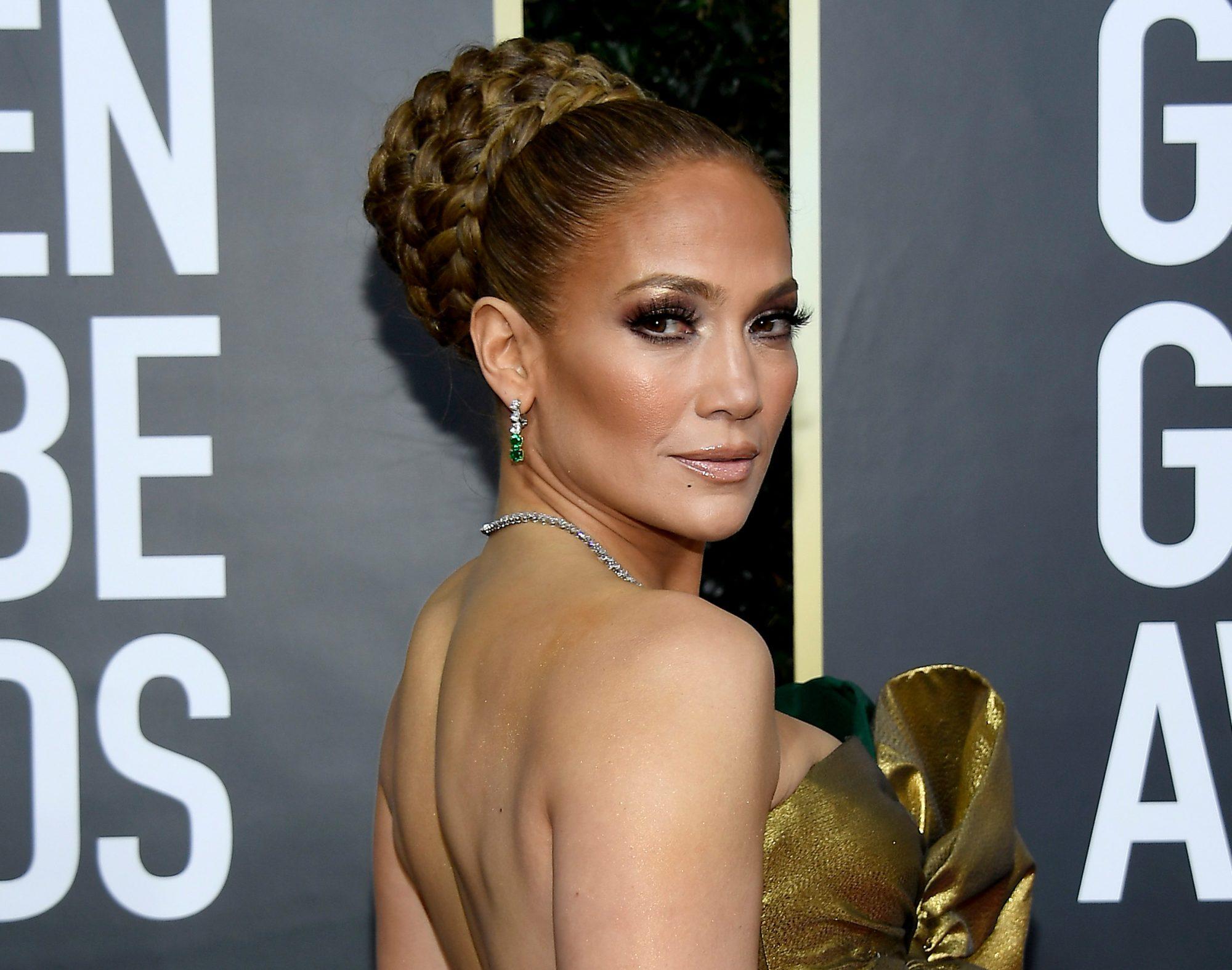 Jennifer Lopez, look, belleza, maquillaje, peinado, golden globes