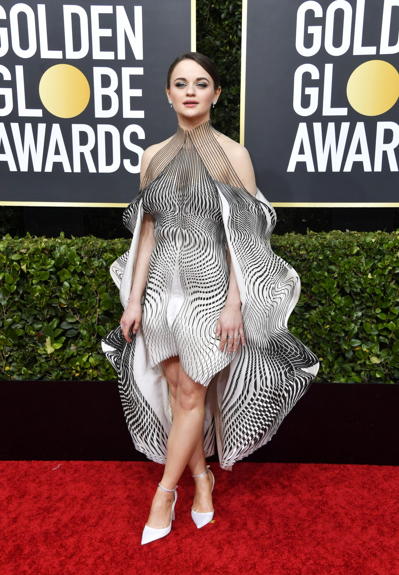 Joey King, look, vestido, Golden Globes