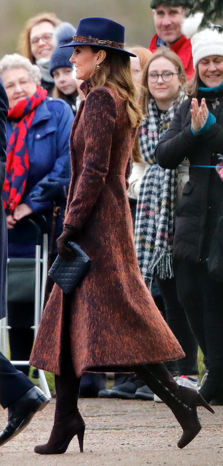 Kate Middleton, look, iglesia