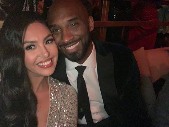 Vanessa Bryant y Kobe Bryant en familia