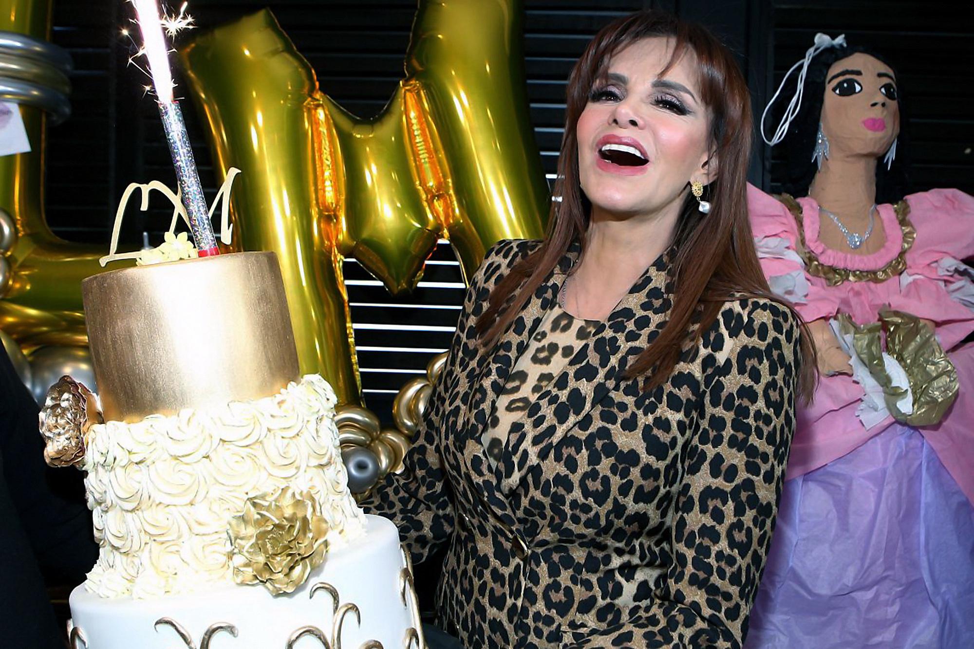 Lucía Méndez celebra su cumpleaños 65 en un restaurante de la Ciudad de México