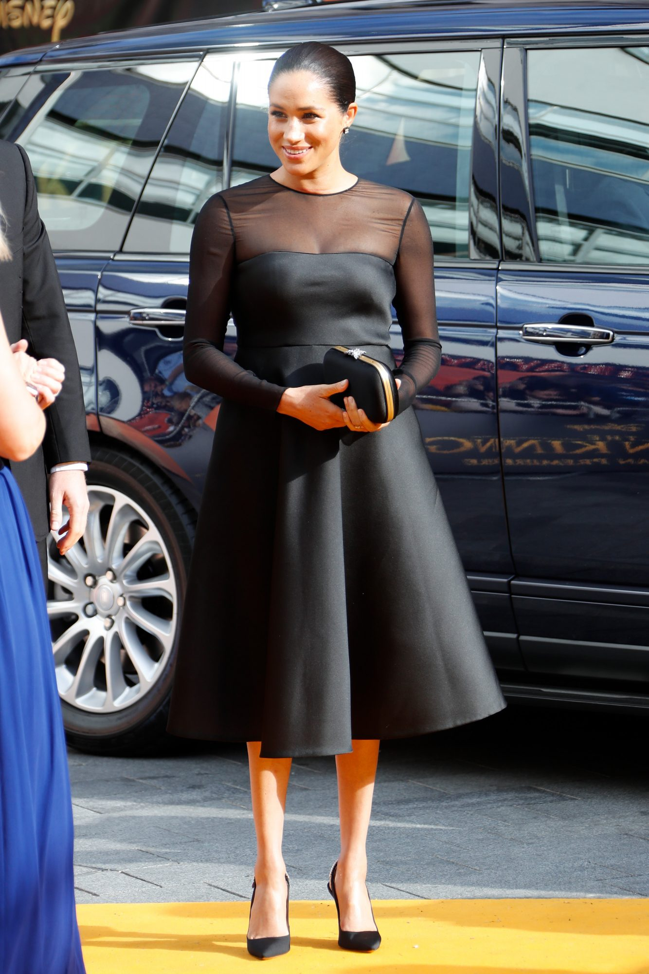 Meghan markle, look, vestido, premier, the lion king