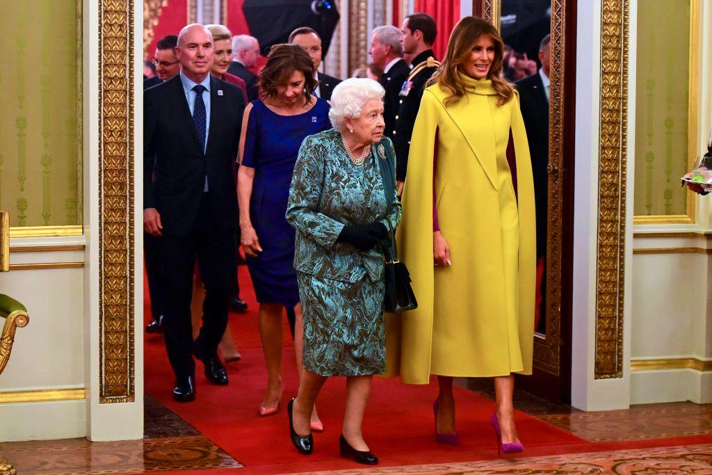 Melania Trump Reina Isabel