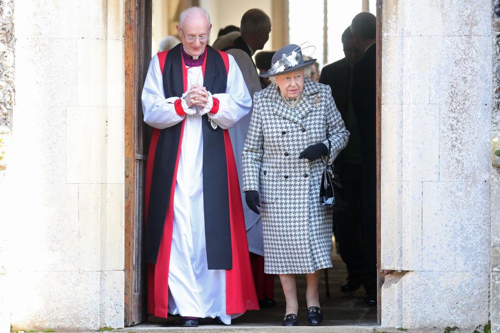 Reina Isabel misa
