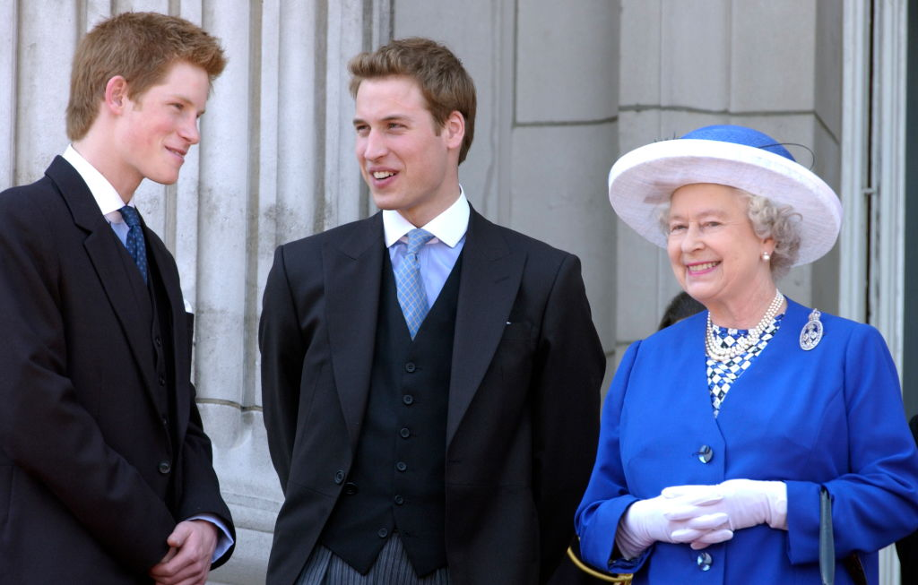 reina Isabel, príncipe William, Harry