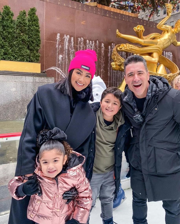 Jorge Bernal con su familia