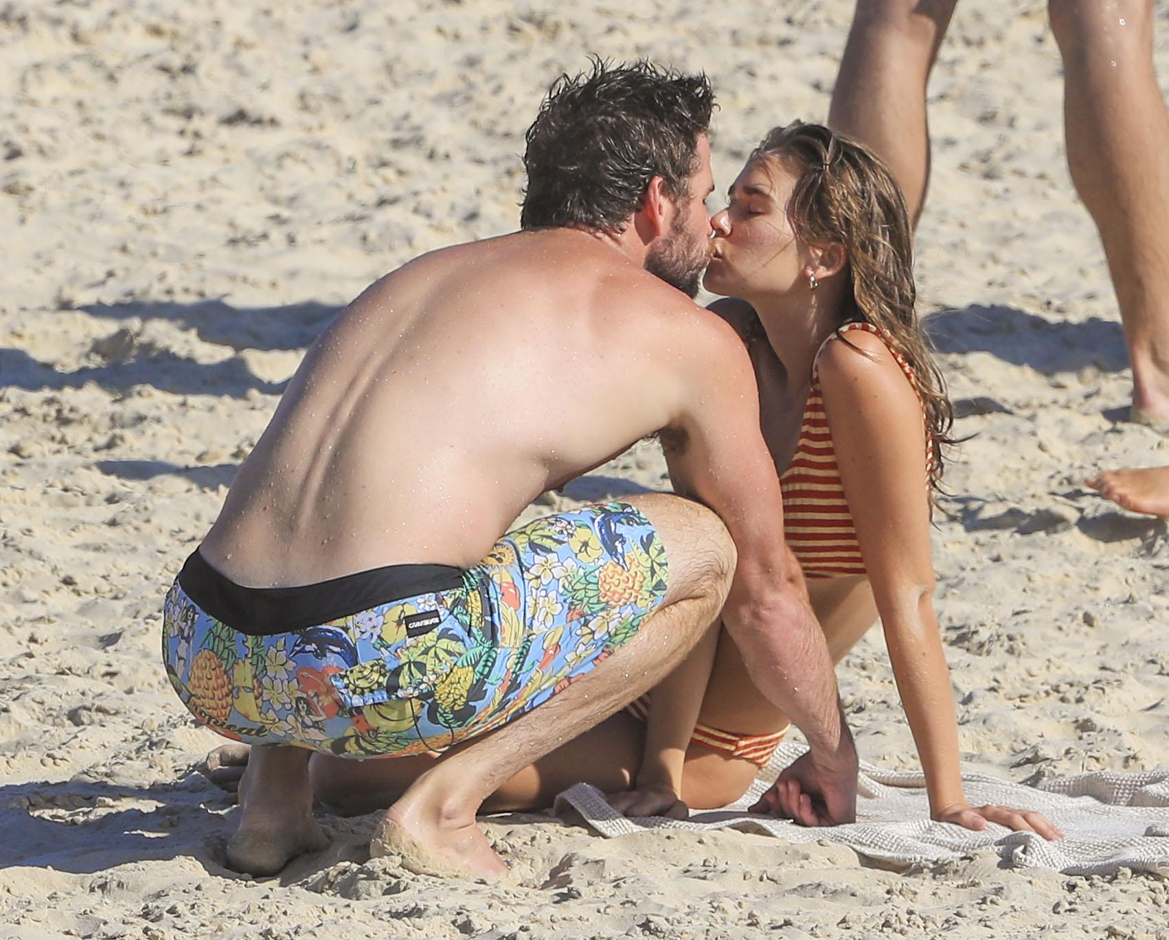 Liam Hemsworth con su nueva novia