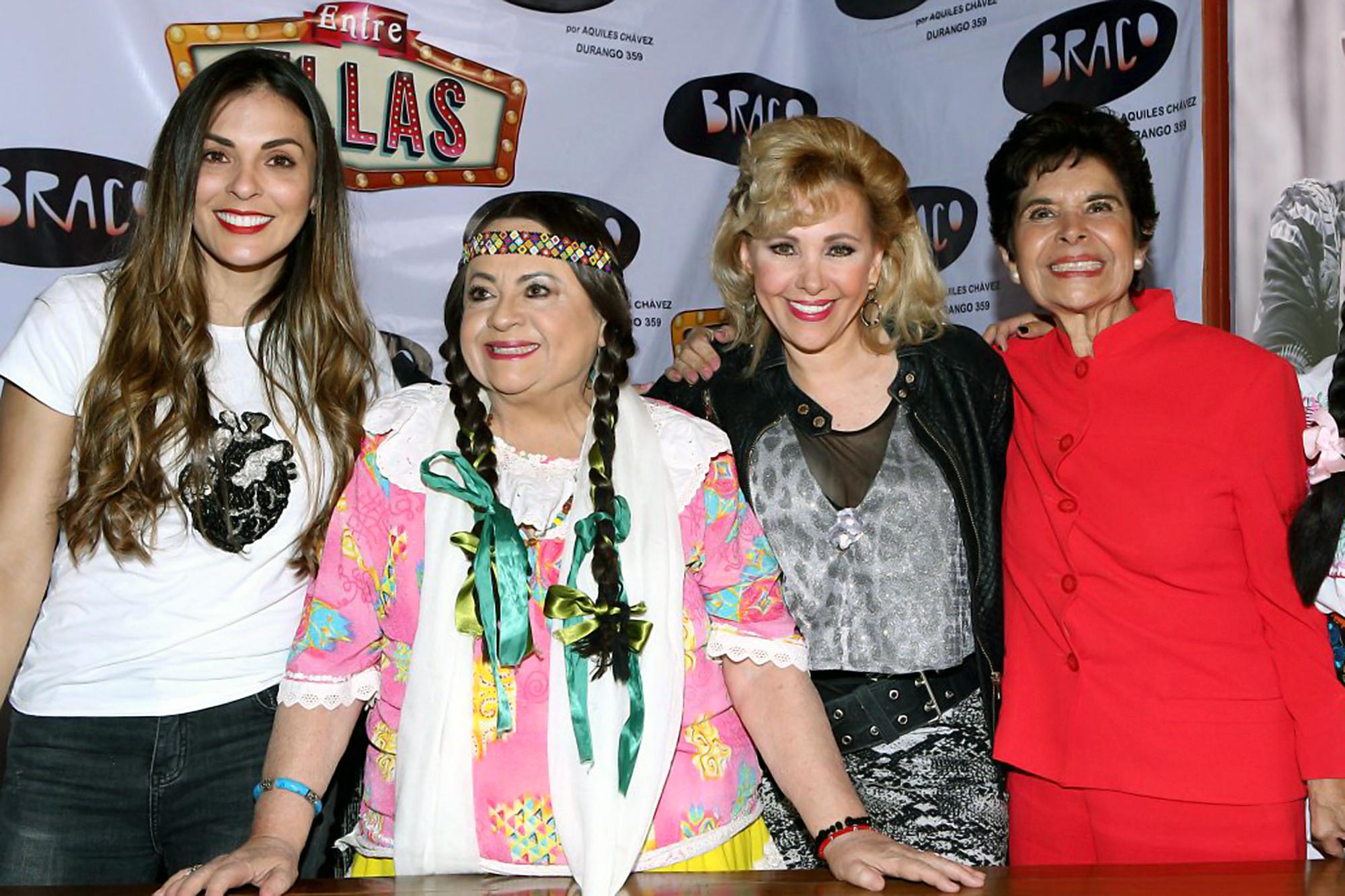 Aida Pierce, Isabel Martínez, Alejandra Rivera y Lucila Mariscal protagonizan la obra de teatro Entre ellas