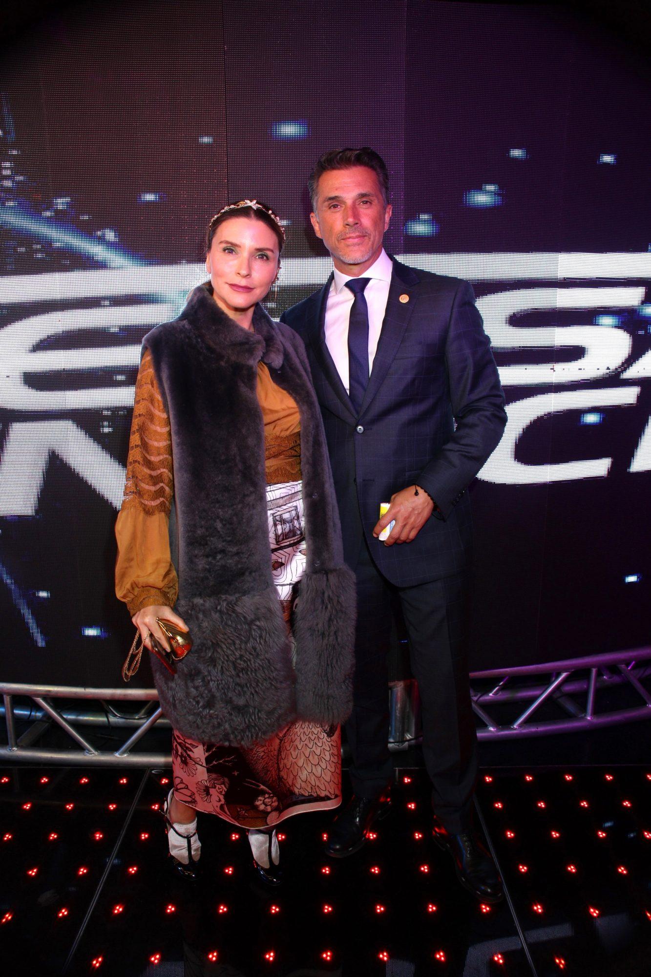 Sergio Mayer e Issabela Camil en México