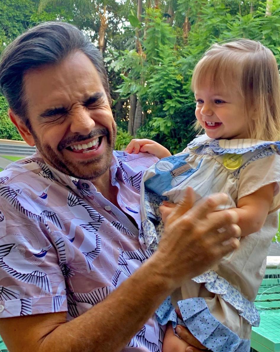 Eugenio Derbez con su nieta