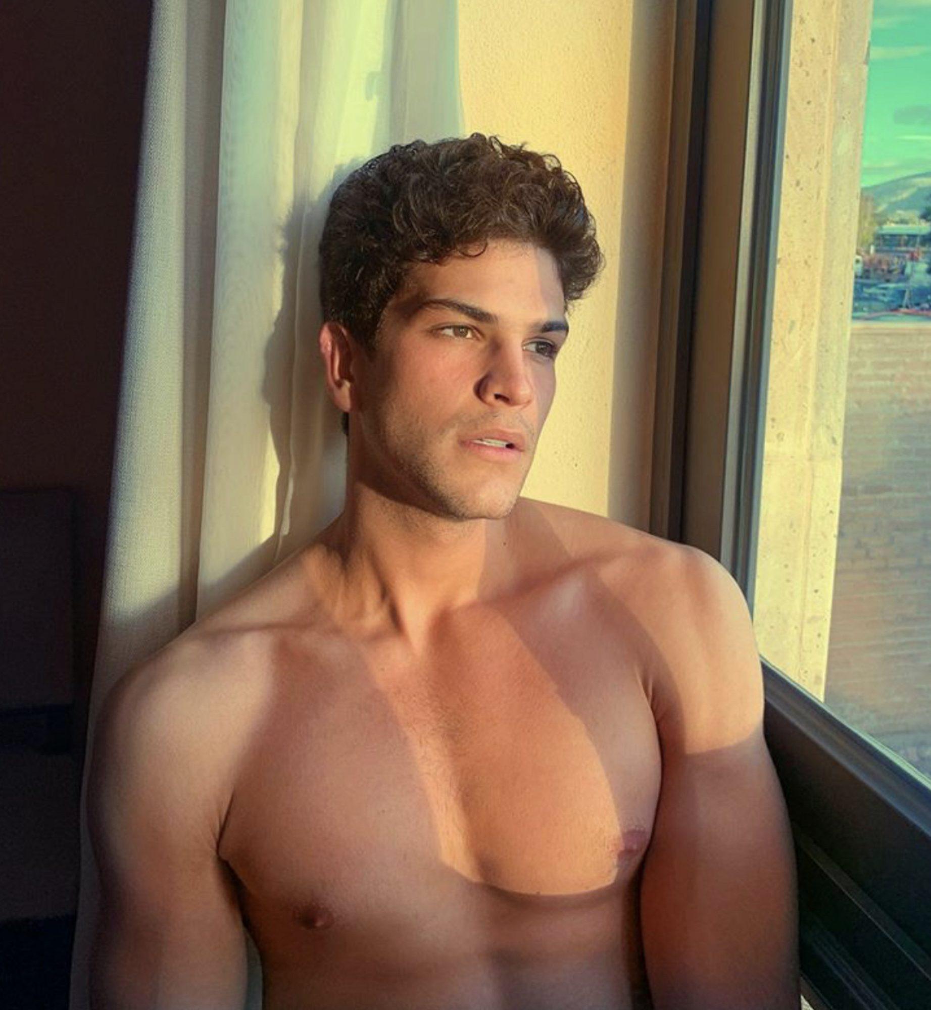 Bernardo Flores 3