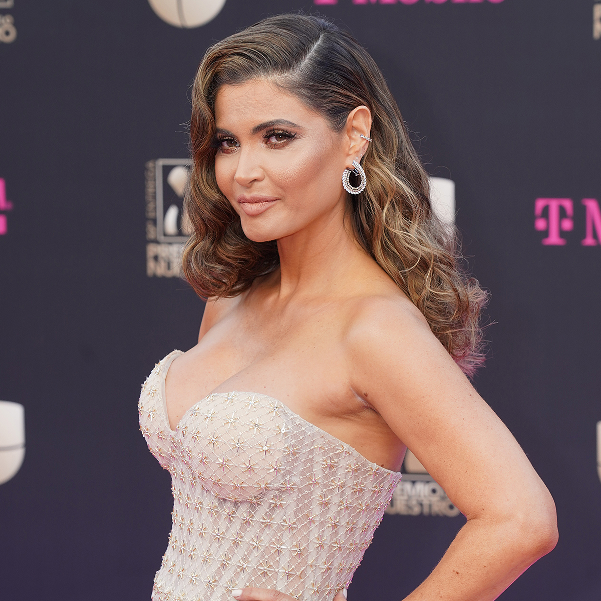 Chiquinquira Delgado, premio lo nuestro 2020, los mejores looks de belleza