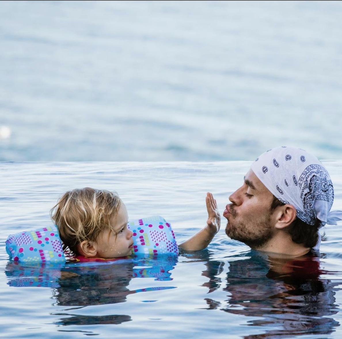 Enrique Iglesias con hijos