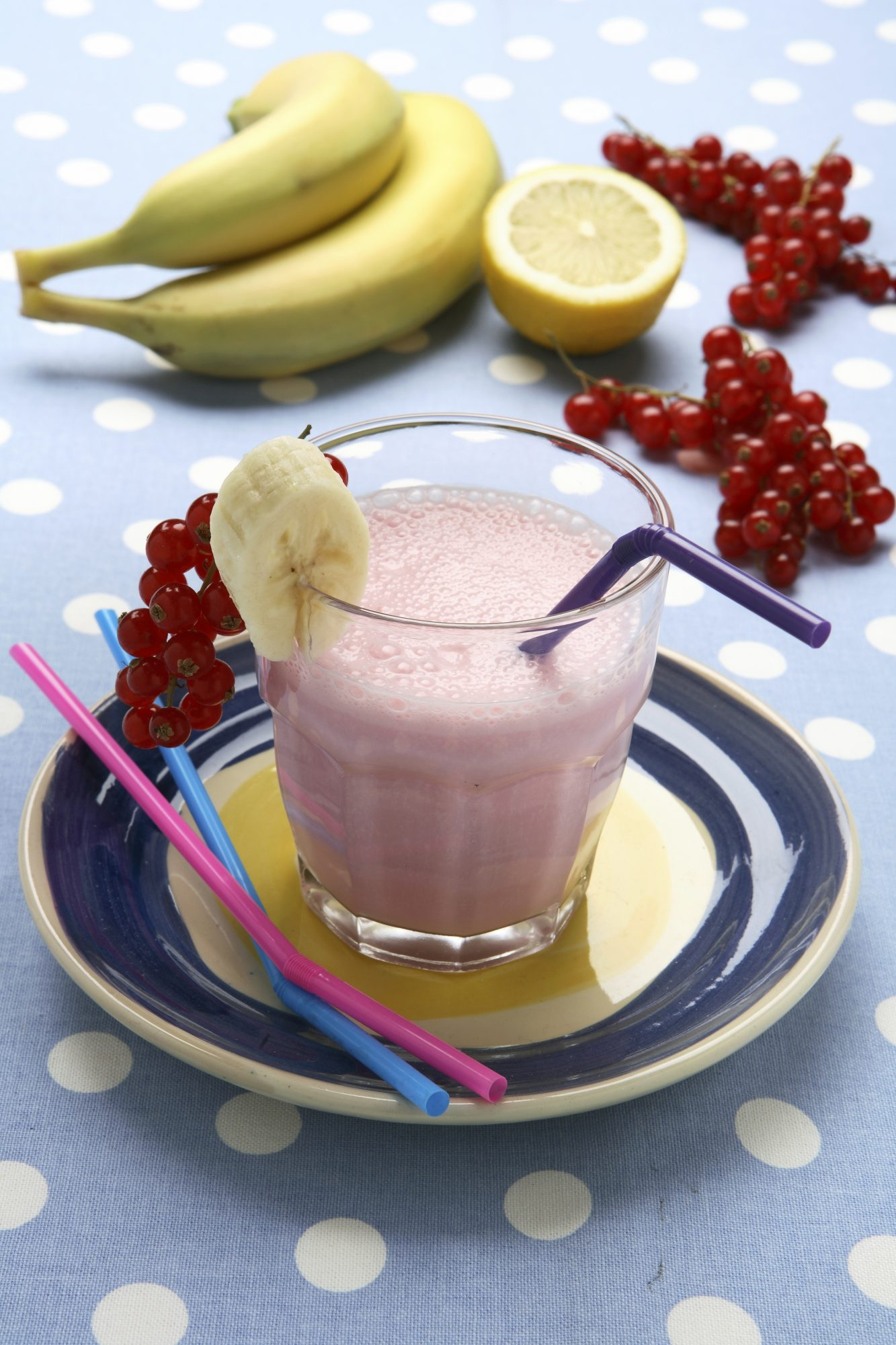 Banana and currant smoothie
