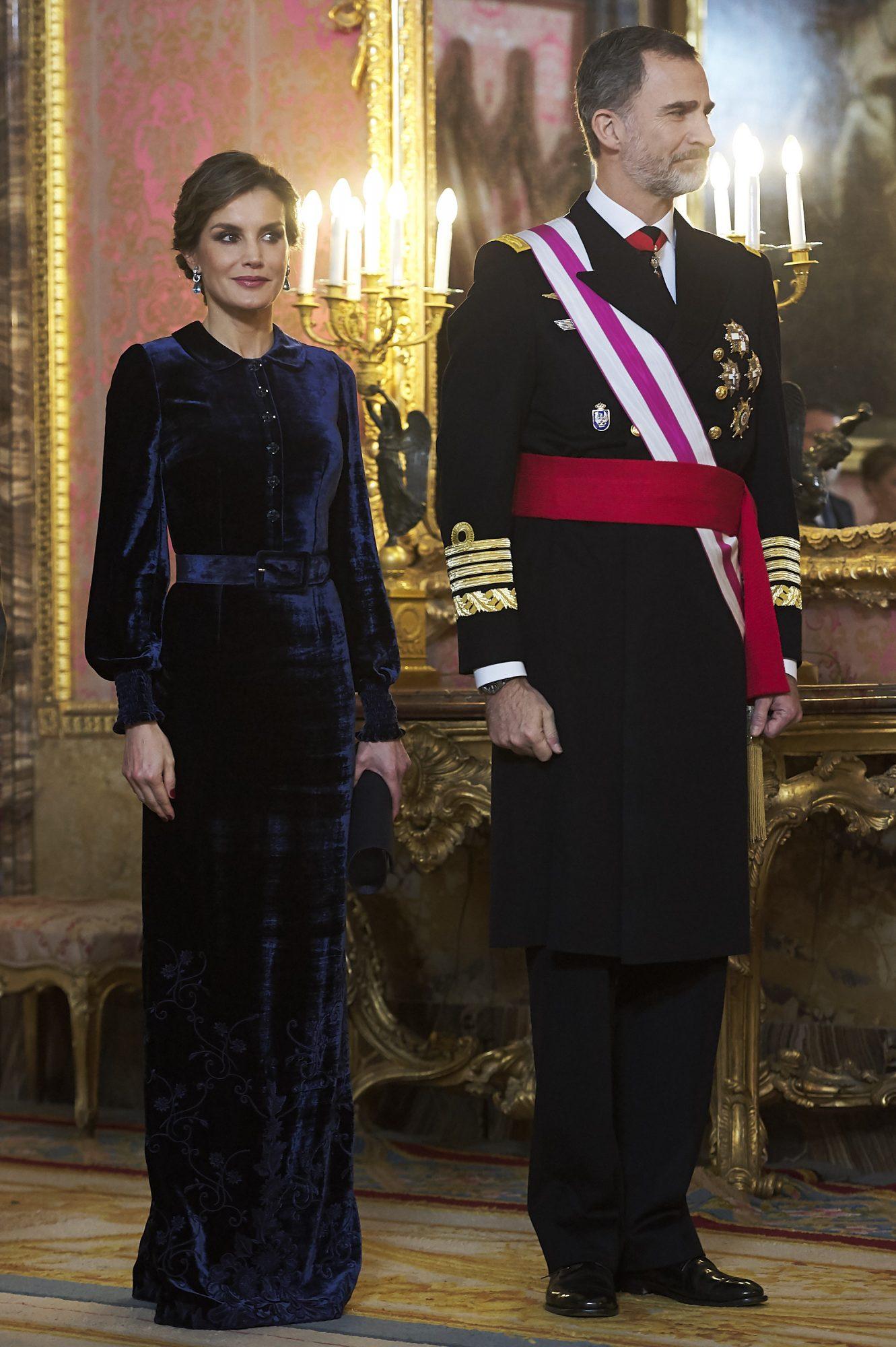 El vestido de terciopelo de la reina Letizia