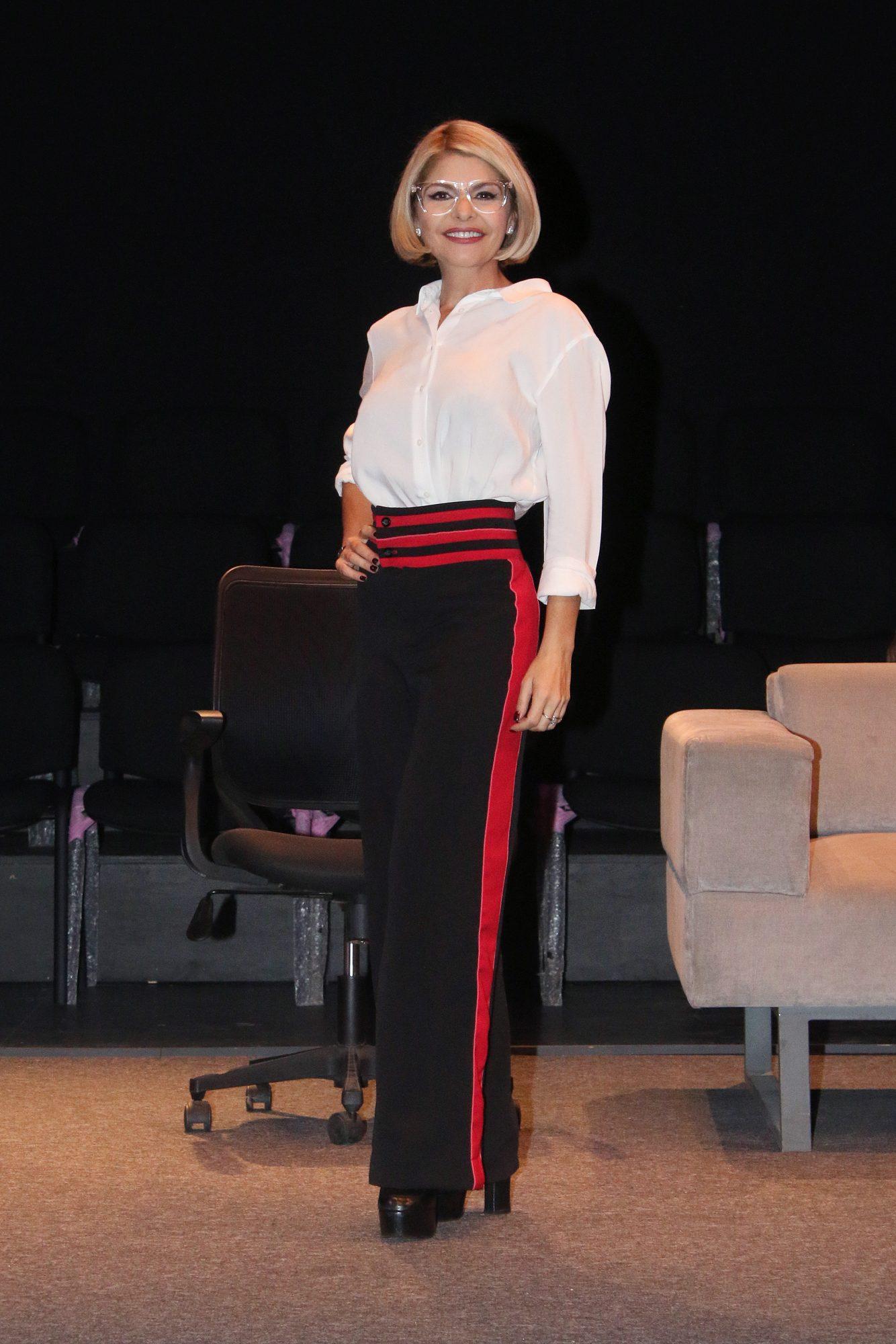 Itati Cantoral, looks