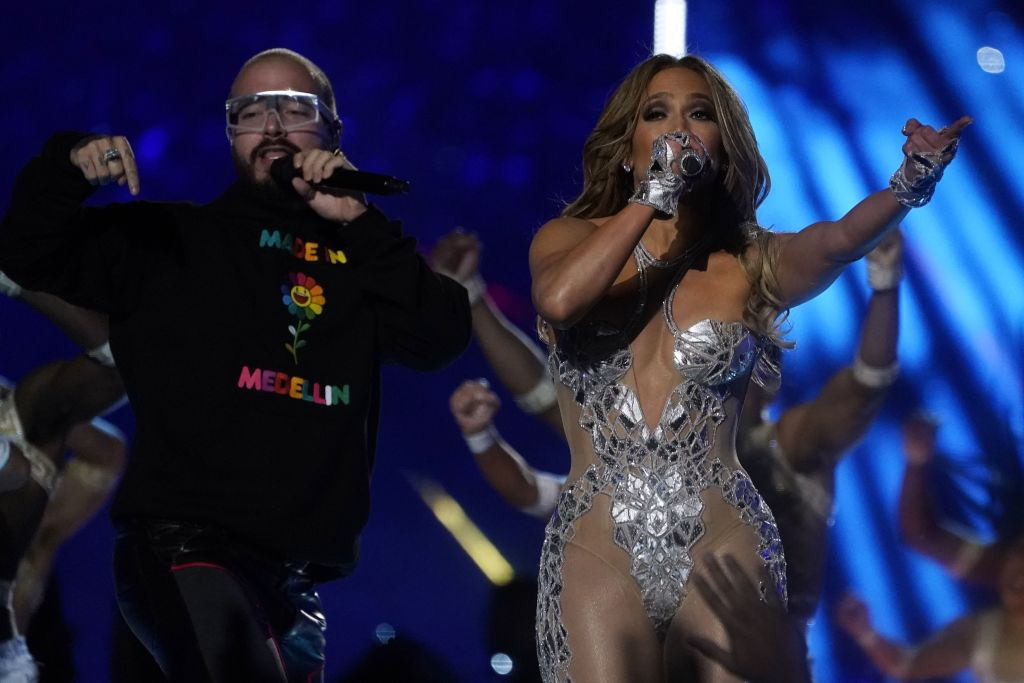 Jennifer Lopez J Balvin Super Bowl