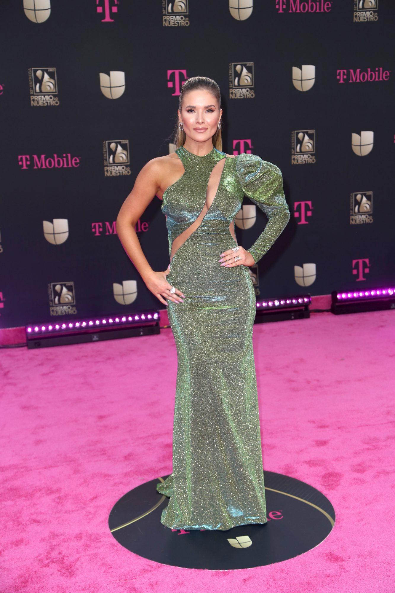 Kimberly Dos Ramos, Premio lo nuestro 2020, mejor vestidas, alfombra