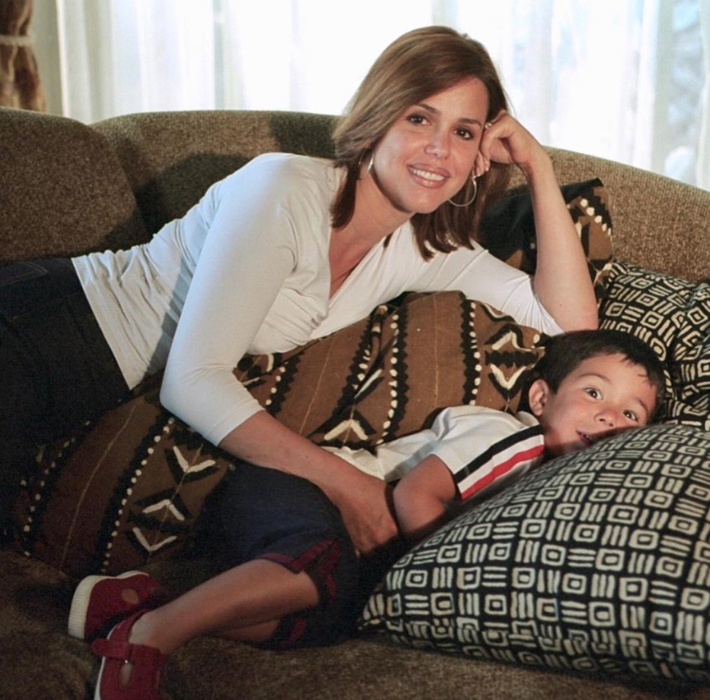 María Celeste Arrarás comparte una foto del recuerdo con Julian